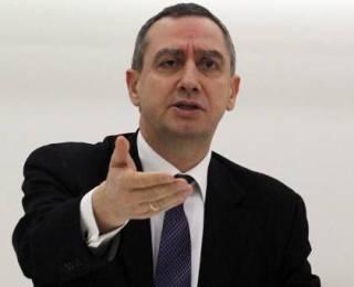 Μιχελάκης: Ο κ. Παπανδρέου είναι αδίστακτος και επικίνδυνος