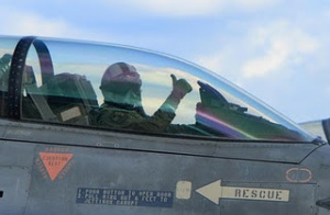 F16PILOTlarge2.jpg