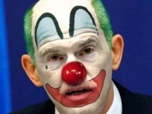 Το Βήμα προσπαθεί να κάνει αβάντα στον Παπανδρέου και αυτός το …διαψεύδει: Δεν γνώριζα τιποτα για πραξικόπημα! (ούτε για CDS!!)