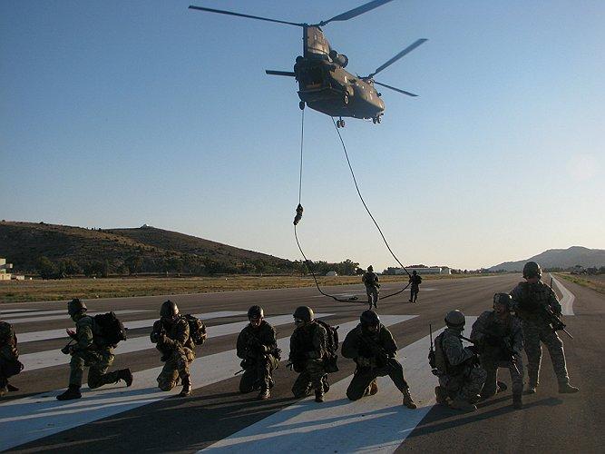 """Αποτέλεσμα εικόνας για Άσκηση αεροαπόβασης της Δύναμης """"Δ"""""""