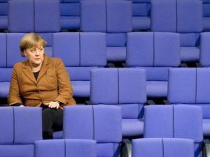 Steinbrueck-Es-wird-einsam-um-Merkel_ArtikelQuer