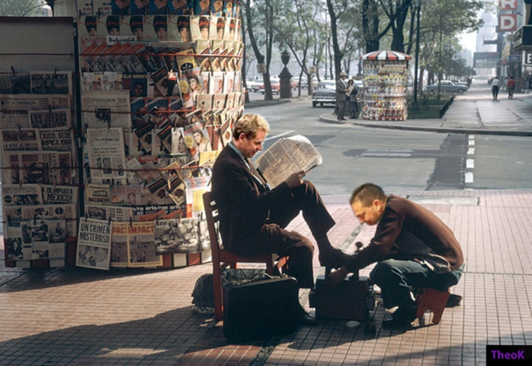 polishing shoes-stournaras-bigger-theoK