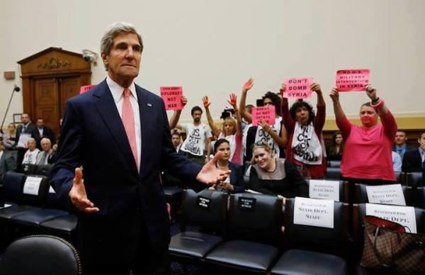 ακτιβιστές στο Κογκρέσσο κατά Κέρρυ