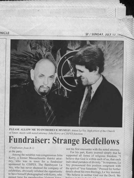 John Kerry με σατανιστή Lavey
