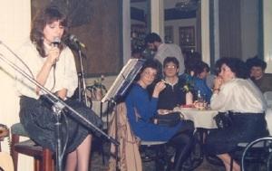 Η Καίτη τραγουδά στην Αυλαία το 1987