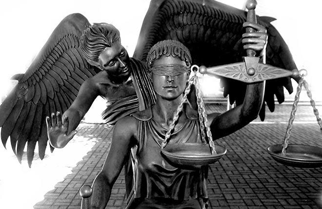 Η-δικαιοσύνη-και-ο-ψευτο-άγγελος