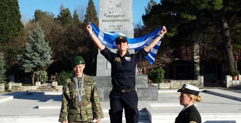προσκυνημα Κολοκοτρωνης ελληνιδες