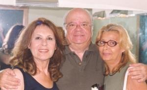 11.Ρένα Κουμιώτη,Γιώργος Κατσαρός, Καίτη Χωματά στο Βεάκειο το 2004.