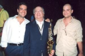 5. Στον Λυκαβηττό Αντώνης, Γιώργος και Αλέξανδρος Κατσαρός το 2003.
