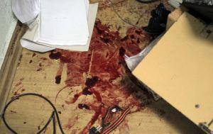 το τρίχρωμο σύμβολο του Αγίου Γεωργίου πνιγμένο στο αίμα