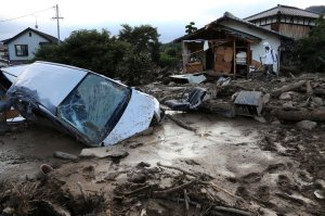 TOPSHOTS-JAPAN-WEATHER-DISASTER-LANDSLIDE