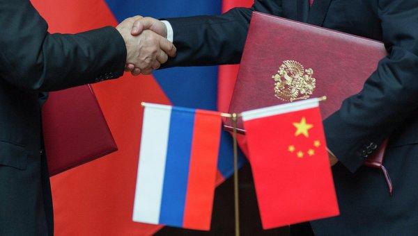 """Όσοι νομίζουν πως η Ρωσία """"τέλειωσε"""" δεν υπολόγισαν τους συμμάχους της!  Το Πεκίνο είναι πρόθυμο να βοηθήσει την Μόσχα να ξεπεράσει τα οικονομικά της προβλήματα."""