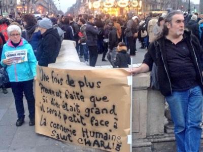 Χιλιαδες Γάλλοι σε αυθόρμητη πορεία κατά της εγκληματικής δράσης των Ισλαμιστών