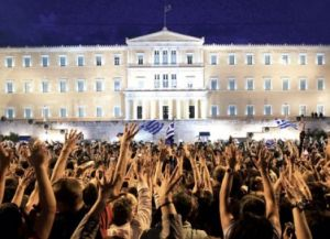 aganaktismenoi-stratiotikoisto-syntagma