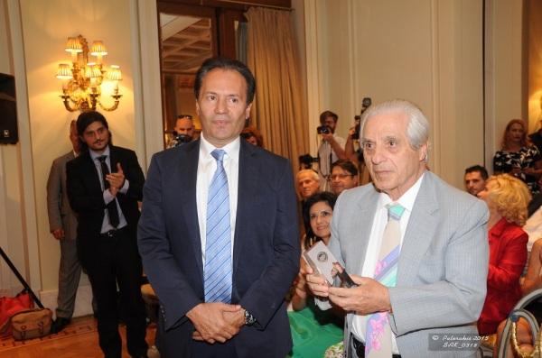 Ο «πατριάρχης» της ελληνικής φαρμακοβιομηχνίας κ. Παύλος Γιαννακόπουλος με τον πρόεδρος της Πανελλήνιας Ένωσης Φαρμακοβιομηχανίας κ. Θεόδωρο Τρύφων.