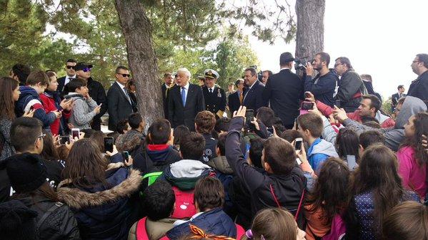 Ο ΥΕΘΑ @PanosKammenos με μαθητές στο Οχυρό του Ρούπελ  (3)