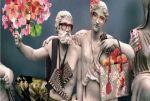 Σάλος με την καμπάνια της Gucci που έντυσε γλυπτά του Παρθενώνα με ρούχα! (1)