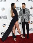 american-music-awards-chrissy-teigen-5