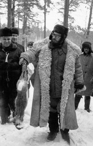 fidel-castro-hunting-in-ussr-1964