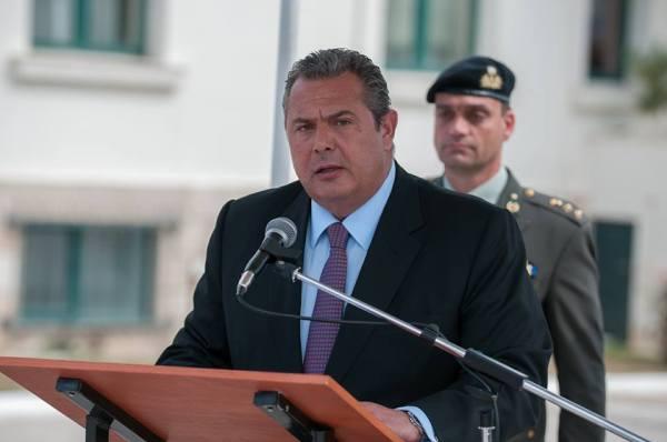 Επίδοση ξιφών σε Αξιωματικούς του Στρατού Ξηράς από τον ΥΕΘΑ Panos Kammenos (10)
