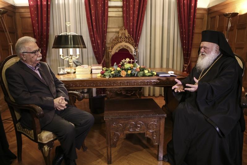 Συνάντηση με τον Αρχιεπίσκοπο Αθηνών και Πάσης Ελλάδος κ. Ιερώνυμο είχε σήμερα, Τρίτη 17 Οκτωβρίου, ο Υπουργός Παιδείας, Έρευνας και Θρησκευμάτων Κώστας Γαβρόγλου.