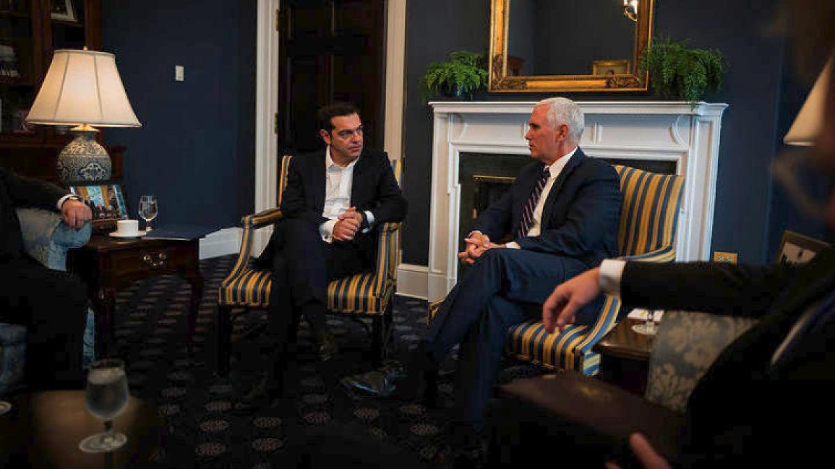 Συγχαρητήρια από τον αντιπρόεδρο των ΗΠΑ στον Αλέξη Τσίπρα για την επιστροφή της Ελλάδας στην οικονομική ανάπτυξη