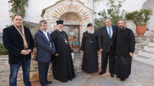Επίσκεψη του ΥΕΘΑ @PanosKammenos στην Ιερά Μονή Παναχράντου στην Άνδρο (1)