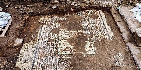 Αρχαιολογία γνωριμιών με άνθρακα