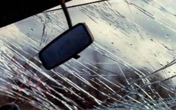 car broken parbriz