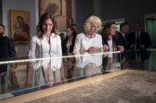 Η υπέρλαμπρη Μπέτυ Μπαζιάνα από την χθεσινή επίσκεψη του Πρίγκηπα Καρόλου [ΦΩΤΟΓΡΑΦΙΕΣ] (9)