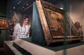 Η υπέρλαμπρη Μπέτυ Μπαζιάνα από την χθεσινή επίσκεψη του Πρίγκηπα Καρόλου [ΦΩΤΟΓΡΑΦΙΕΣ] (10)