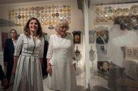 Η υπέρλαμπρη Μπέτυ Μπαζιάνα από την χθεσινή επίσκεψη του Πρίγκηπα Καρόλου [ΦΩΤΟΓΡΑΦΙΕΣ] (13)