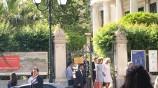 Η υπέρλαμπρη Μπέτυ Μπαζιάνα από την χθεσινή επίσκεψη του Πρίγκηπα Καρόλου [ΦΩΤΟΓΡΑΦΙΕΣ] (3)