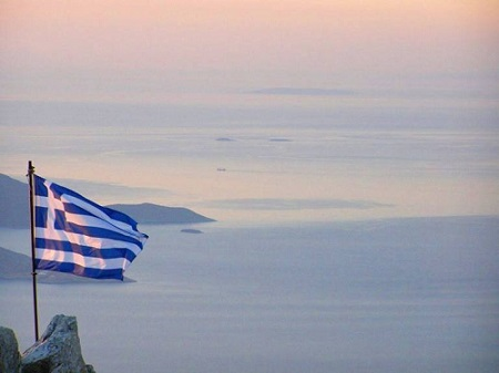 greek_flag_sea