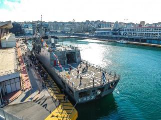 Κοσμοσυρροή στα πλοία του ΠΝ για την επέτειο της 28ης Οκτωβρίου (5)