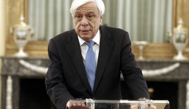 Γιατί ο Προκόπης Παυλόπουλος παραμένει το απόλυτο φαβορί για νέα θητεία στην Προεδρία της Δημοκρατίας.