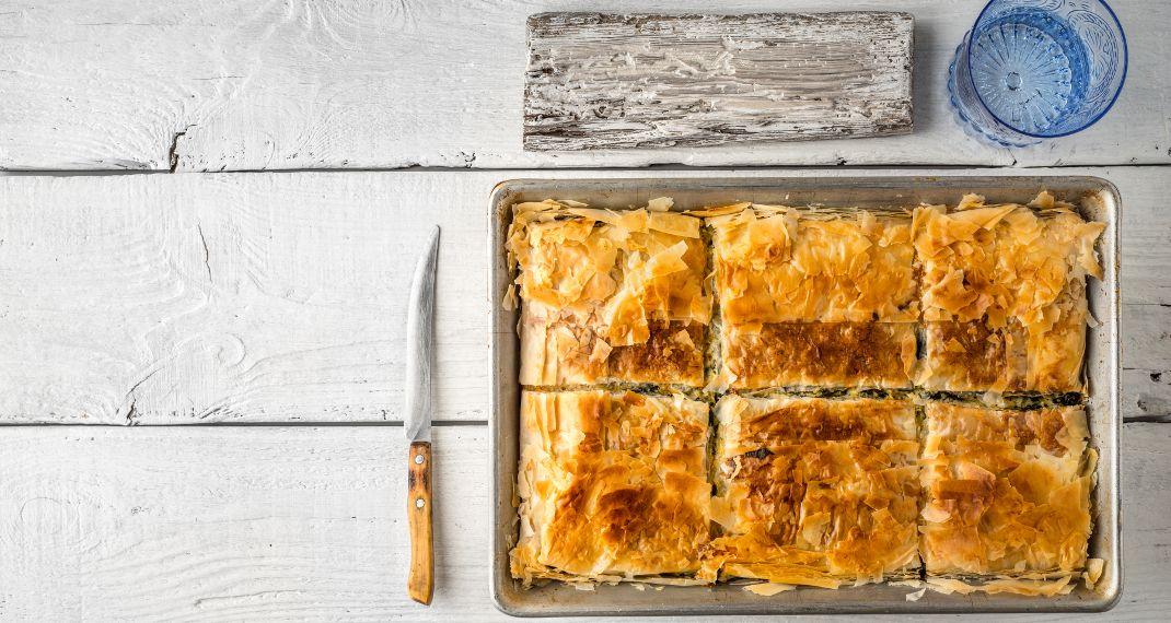 Φανταστικό τρικ: Πώς θα κάνεις το έτοιμο φύλλο πίτας να μοιάζει με χειροποίητο
