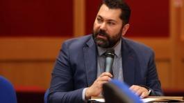 Greece threatens to raise Facebook's fact-checking issue at EU Council