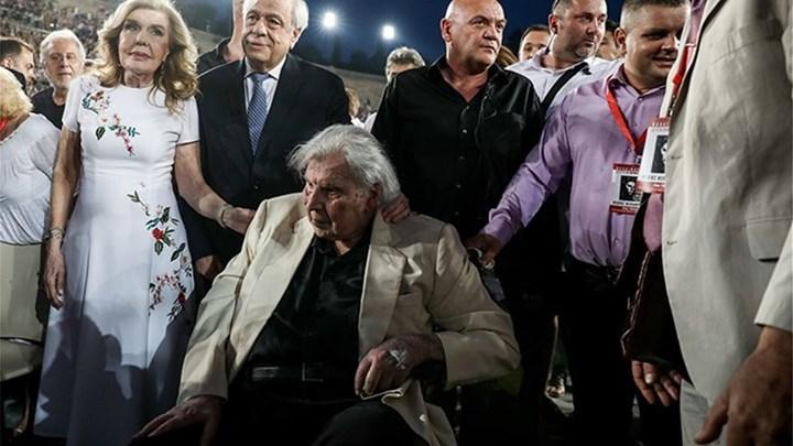 ΣΕΙΣΤΗΚΕ το Καλλιμάρμαρο στη μεγάλη συναυλία του Μίκη Θεοδωράκη παρουσία του Προκόπη Παυλόπουλου.