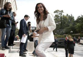 Η βουλευτής του ΣΥΡΙΖΑ Ραλλία Χρηστίδου προσέρχεται στη Βουλή, Αθήνα, Τετάρτη 17 Ιουλίου2019. Ορκίστηκαν οι 300 βουλευτές των έξι κομμάτων που εκλέχθηκαν στις τελευταίες εθνικές εκλογές της 7ης Ιουλίου. ΑΠΕ-ΜΠΕ/ΑΠΕ-ΜΠΕ/ΣΥΜΕΛΑ ΠΑΝΤΖΑΡΤΖΗ