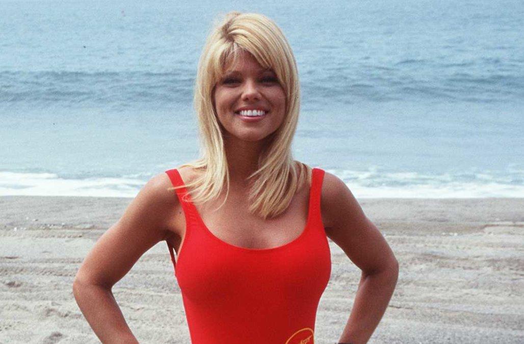 Δείτε πως είναι σήμερα μια από τις πιο διάσημες πρωταγωνίστριες του Baywatch.