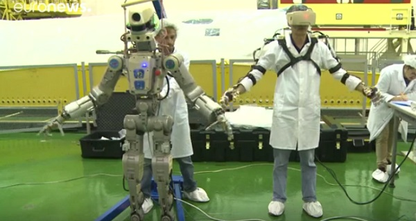 Φέντορ, ο «ρομποναύτης» του Πούτιν ετοιμάζεται για το διάστημα (βίντεο)