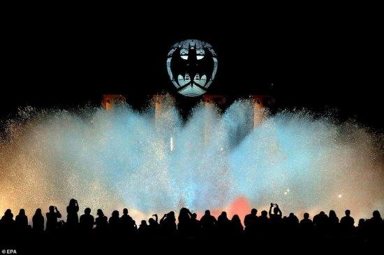13 CITIES TO SHINE BAT-SIGNAL TO CELEBRATE BATMAN'S 80TH ANNIVERSARY 1280x960_70616P00-EIKGI-1024x768 (4)