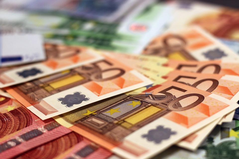 Αναδρομικά. Επιστρέφονται έως 16.000 ευρώ σε 500.000 συνταξιούχους.