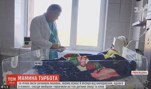 Μητέρα-Τέρας στην Ουκρανία έσπασε στο ξύλο το ενός μηνός μωρό της.
