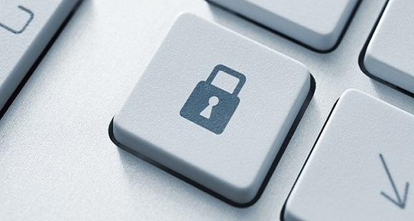 Μπορεί να καταλήξουν online όλα τα προσωπικά δεδομένα… (βίντεο)