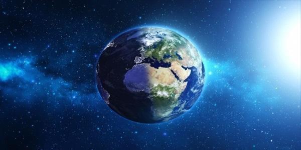Από τη Γη στις εσχατιές του Σύμπαντος (βίντεο)