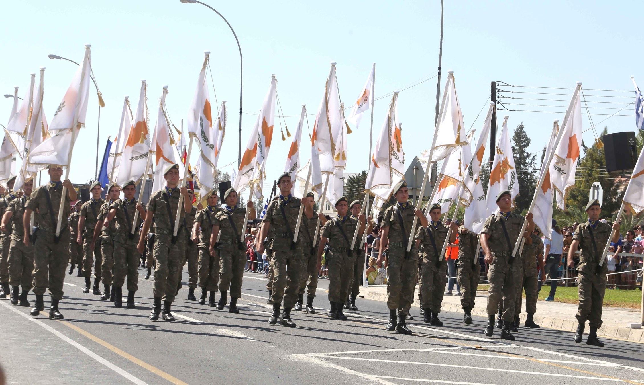 Την ημέρα της Κυπριακής Ανεξαρτησίας. Από την Πάφο μέχρι τον Απόστολο Ανδρέα πρέπει να πετούν τα Ελληνικά και Βρετανικά αεροπλάνα