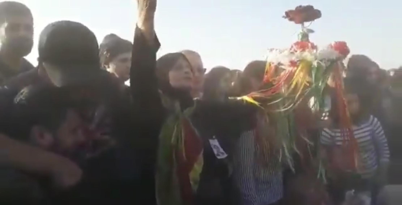 Η μάνα της Havrin Khalid που βιάστηκε βασανίστηκε και δολοφονήθηκε από τους τούρκους, καλεί σε αγώνα μέχρις εσχάτων