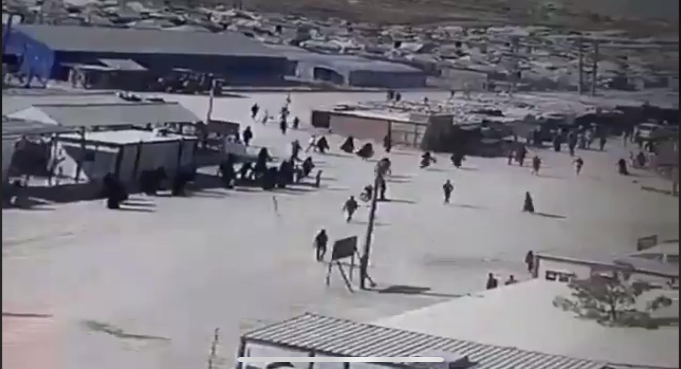 Οι Τούρκοι σφυροκόπησαν το στρατόπεδο προσφύγων στην Ain Issa – Απέδρασαν δεκάδες τζιχαντιστές του #ISIS